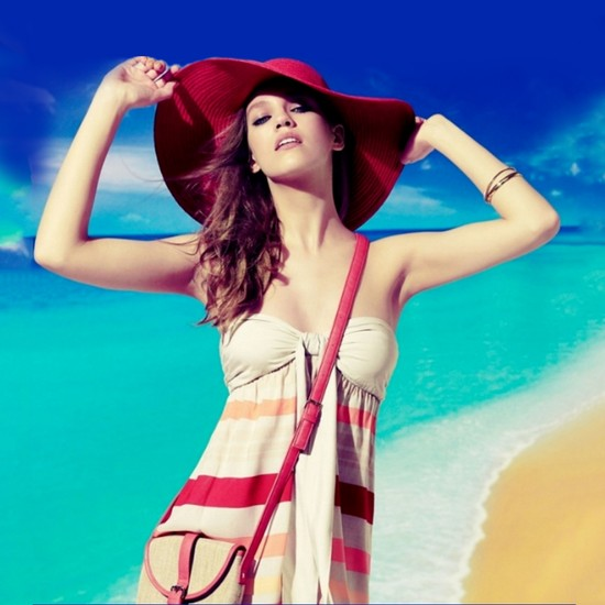 10 vật dụng cần thiết cho phái nữ khi đi biển