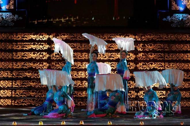 """Múa """"Tú sắc hả san"""" (Vẻ đẹp huyền ảo) Đoàn nghệ thuật Hà  Nam Trung Quốc"""
