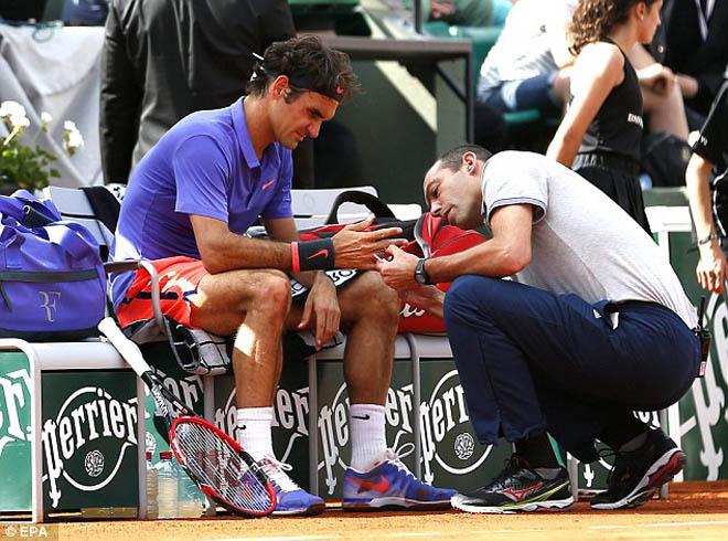 Federer thua dễ Wawrinka ở tứ kết Roland Garros