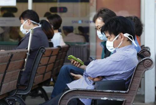 Hàn Quốc rúng động vì 2 ca tử vong đầu tiên do virus giống SARS