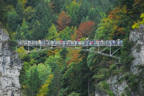"""Những cây cầu đáng sợ khiến du khách phải """"tim đập chân run"""""""