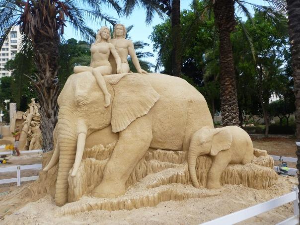 Sửng sốt trước những  tác phẩm điêu khắc tuyệt đẹp làm từ cát