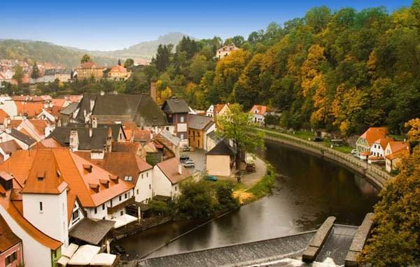 10 ngôi làng cổ tuyệt đẹp ở Châu Âu ít người biết đến
