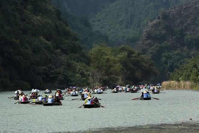 Tour đường dài thu hút khách dịp nghỉ lễ 30.4 và 1.5