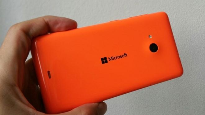 Cận cảnh smartphone Lumia 430 giá rẻ giật mình của Microsoft - H8