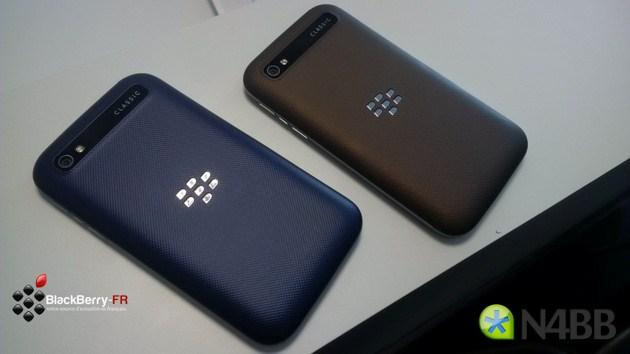 Cận cảnh BlackBerry Classic với hai màu sắc lạ
