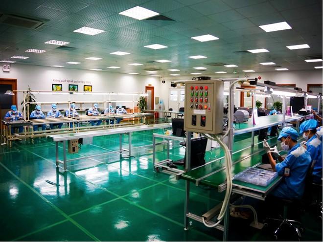 Bên trong nhà máy sản xuất Bphone dưới góc nhìn của Cnet